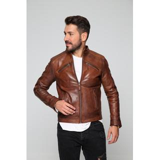 Glossy emphasized men´s leather jacket